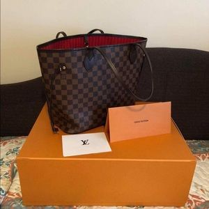 Authentic LV Neverfull😍